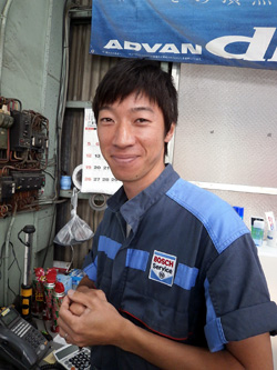 輸入車 整備 玉野自動車 スタッフ 山本世知 2級整備士・自動車検査員